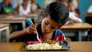soñar con desnutrición
