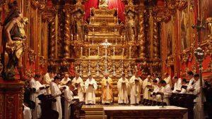 soñar con cantos gregorianos